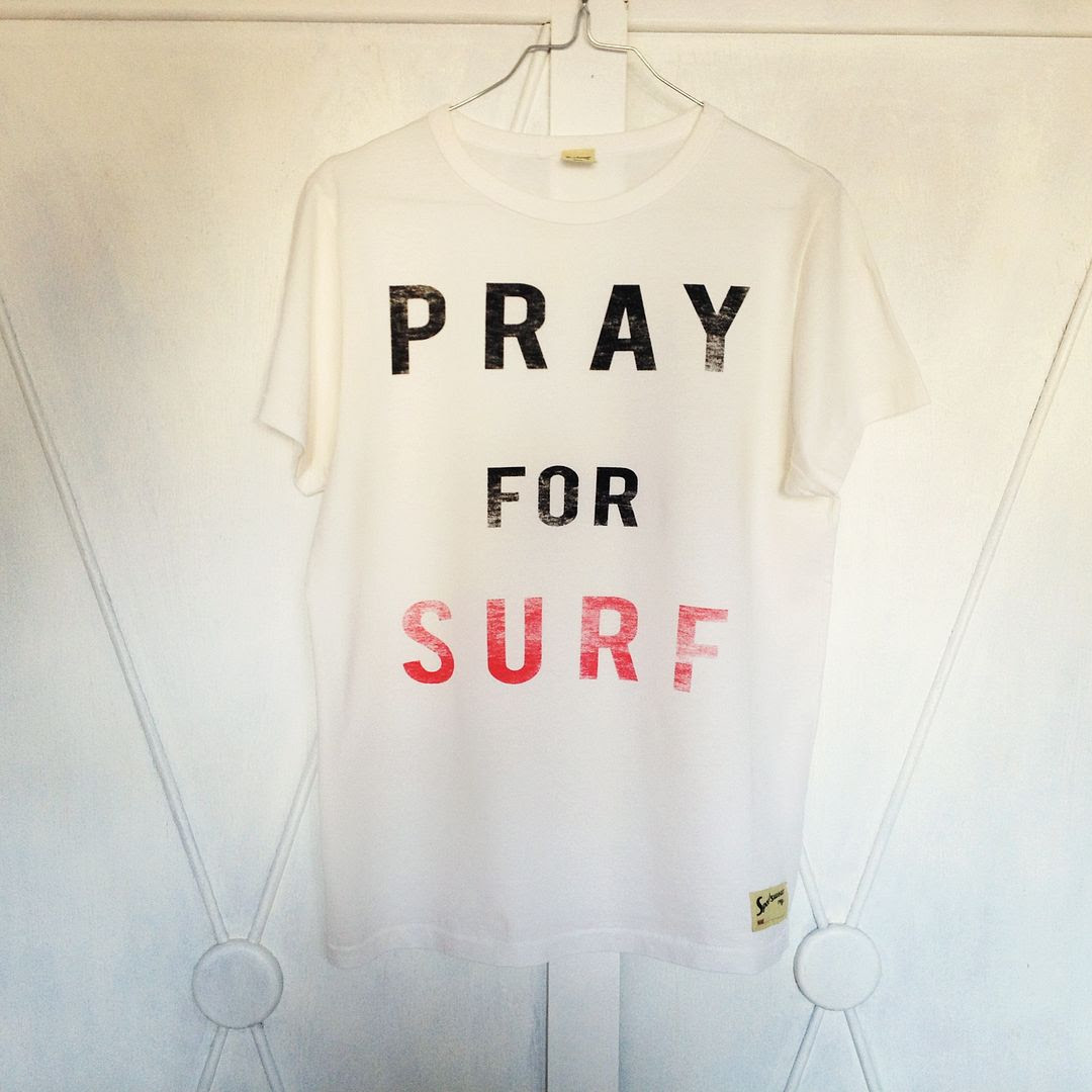 photo prayforsurfteeshirtimprimeacute_zps83bc0a2e.jpg