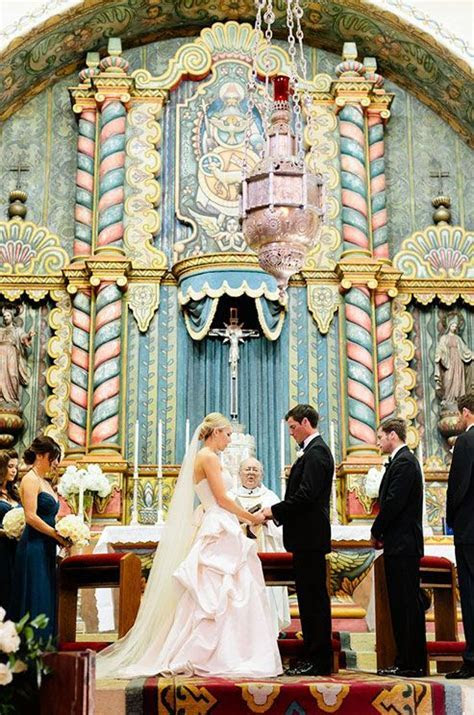 How amazing is this wedding altar located in Santa Barbara