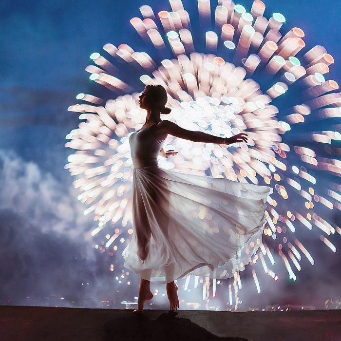 Festival de fuegos artificiales de Moscú, Rusia. Modelo: Nina