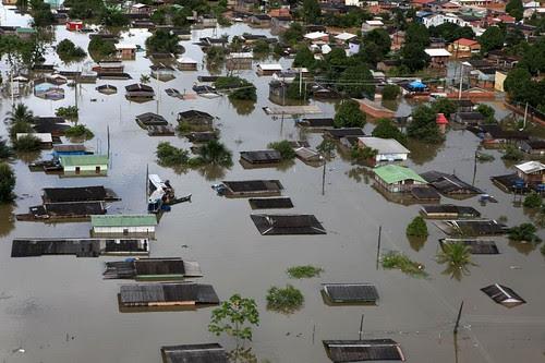 Sobrevoo revela imagens da alagação na capital acreana by Agência de Notícias do Acre