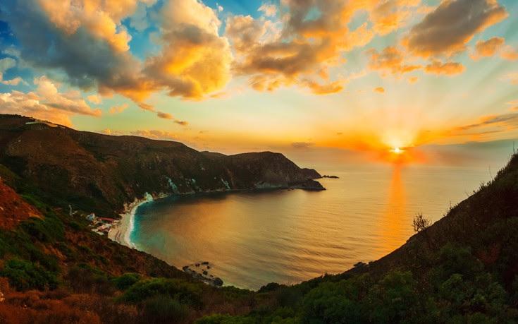 perierga.gr - Ηλιοβασιλέματα στις όμορφες γωνιές της Ελλάδας!