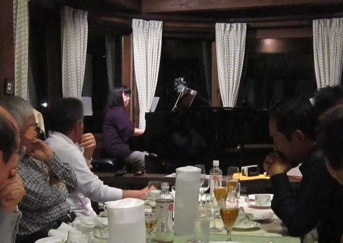 大道寺ひろ子さんのピアノ演奏 2012年5月26日 by Poran111