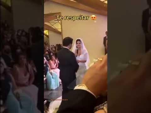 """Noiva viraliza na internet ao se recusar a fazer voto de casamento: """"Submissa, não!"""""""