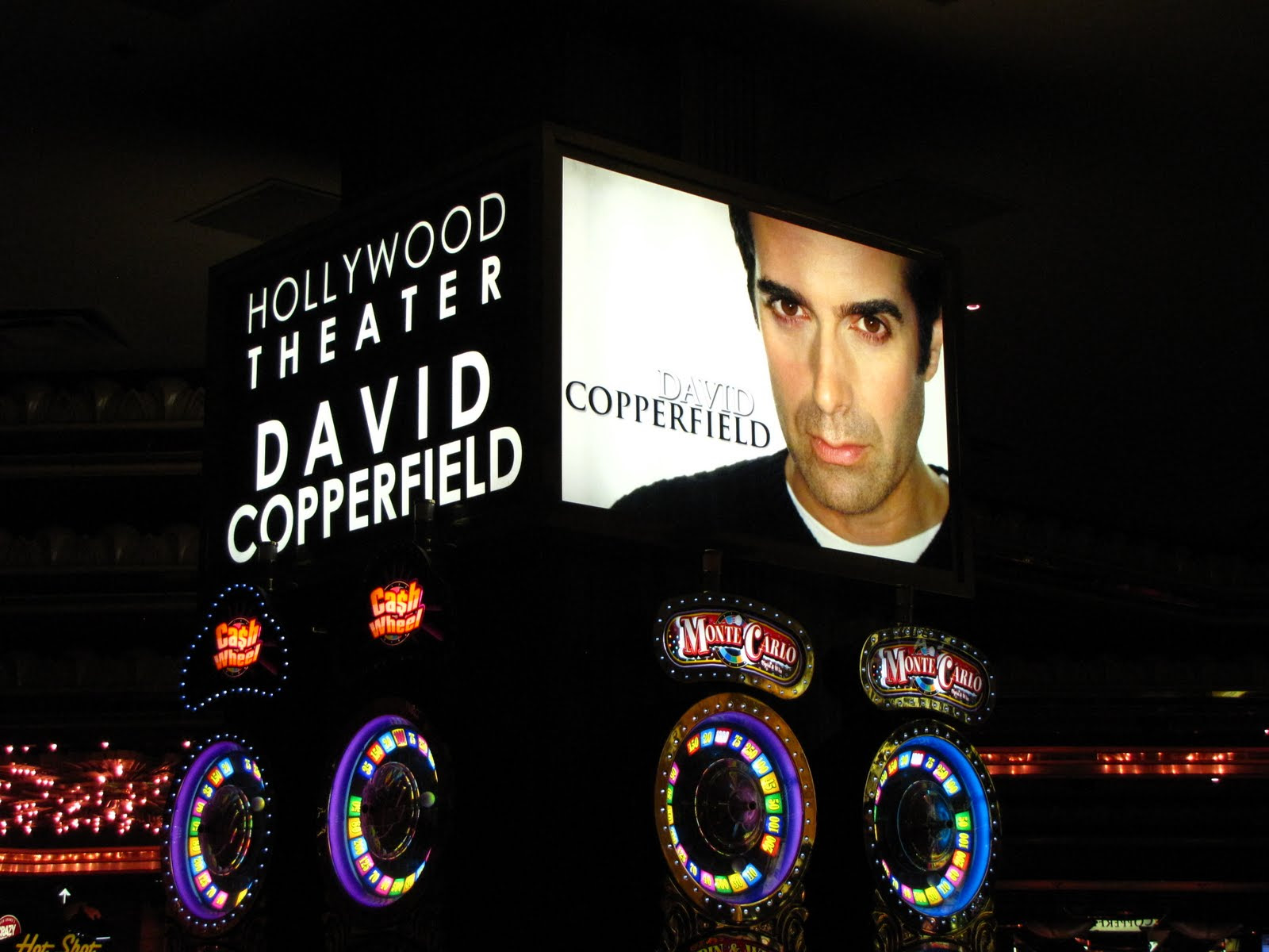 http://www.topshowslasvegas.com/wp-content/uploads/2011/08/David-Copperfield.jpg