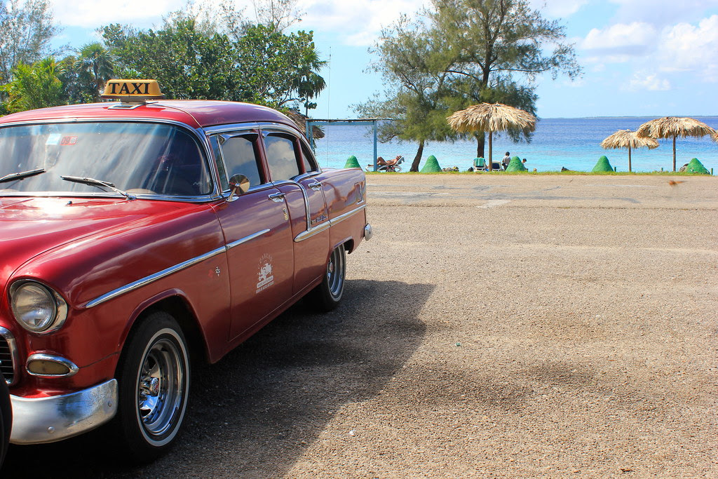 Taxi to the beach, Cuba