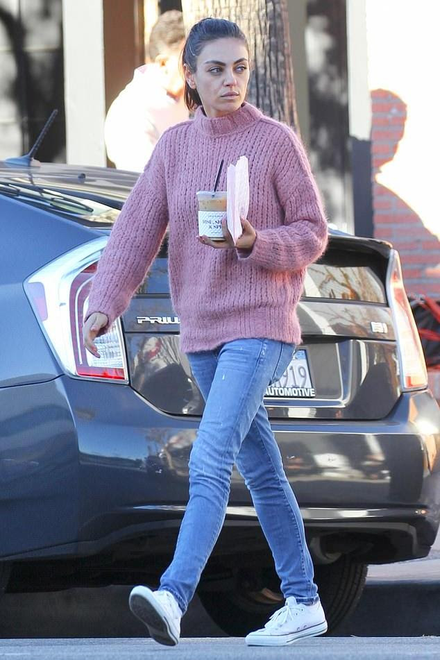 Mila Kunis Clothes And Outfits Star Style Celebrity Fashion
