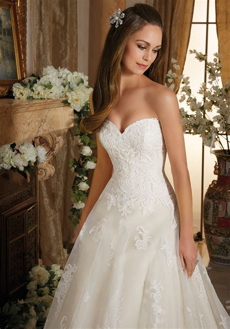 Embroidered Lace on Tulle Ball Gown Wedding Dress   Style
