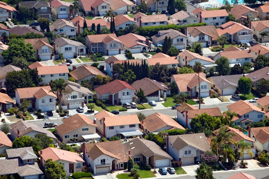 May home sales drive Orange, L.A. county prices to record highs: $695,000 and $560,500