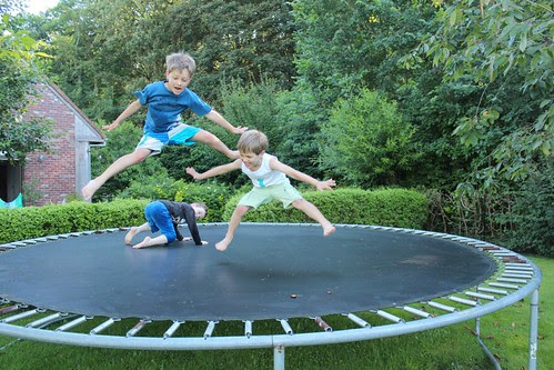 Trio acrobaten