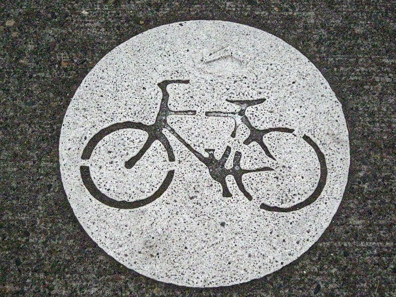 File:Portland Bike Stencil.jpg