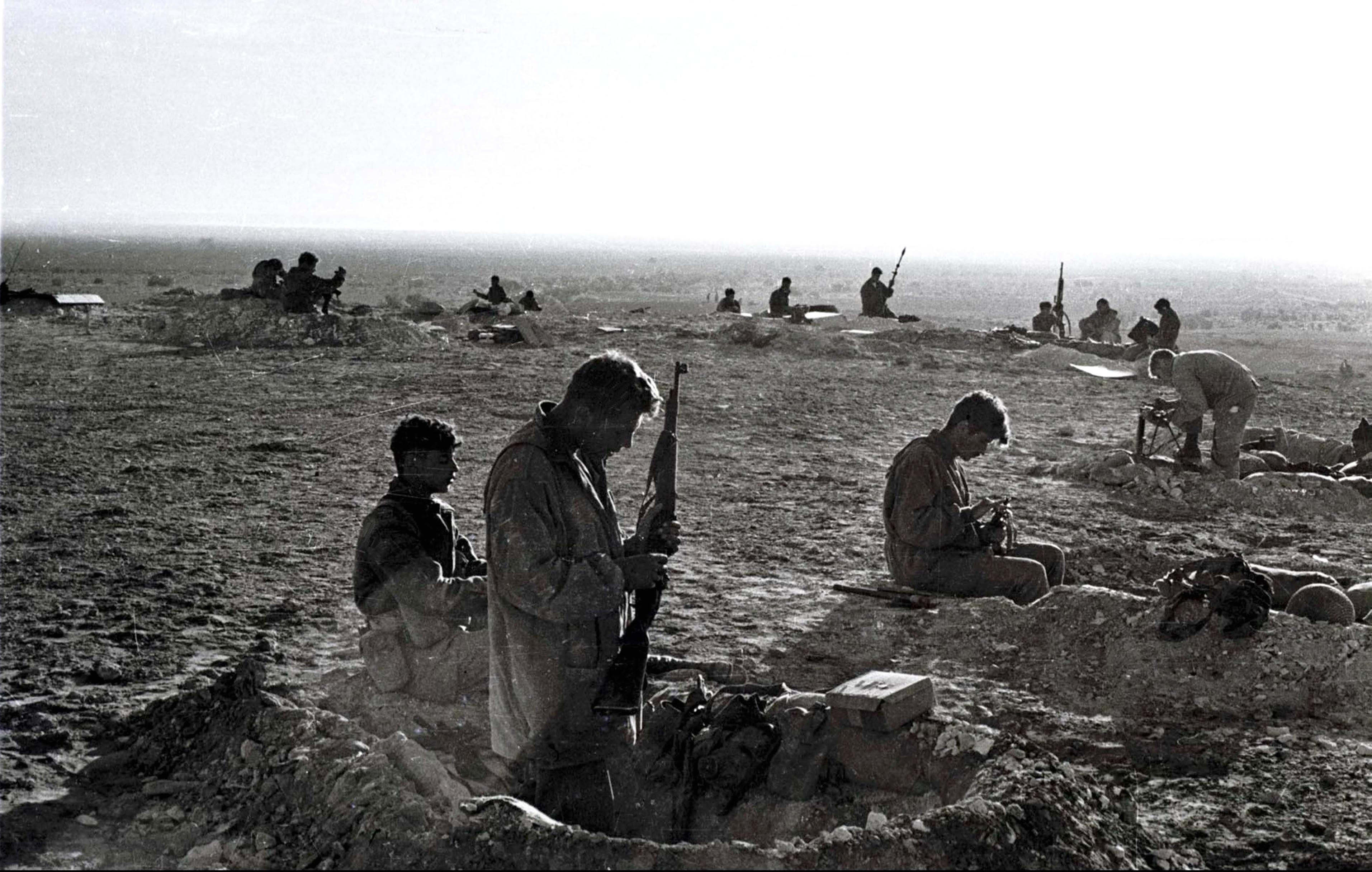 File:Israeli troops in sinai war.jpg
