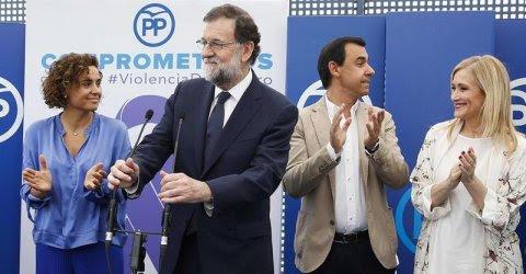 Mariano Rajoy junto a Dolors Montserrat, Cristina Cifuentes y Fernando Martínez-Maíllo  durante un acto de apoyo al Pacto de Estado contra la Violencia de Género. /EFE