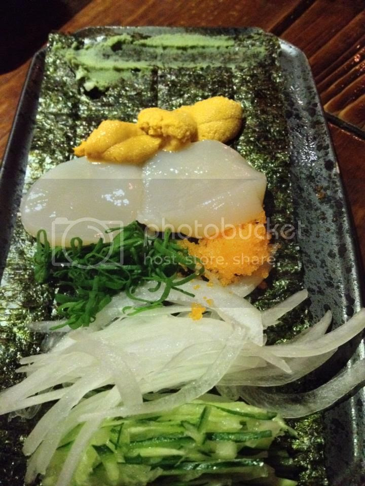 scallop and uni roll photo 1601290_10152195760646202_58870588_n.jpg