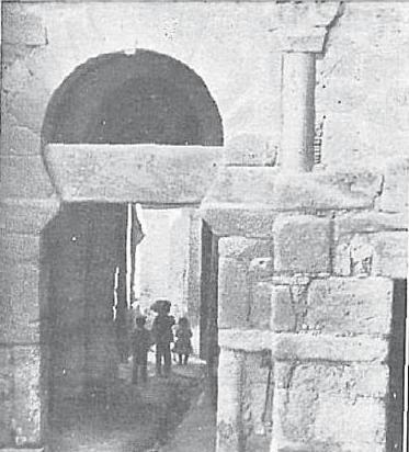 Puerta de Alfonso VI en 1910. Revista Gran Vida