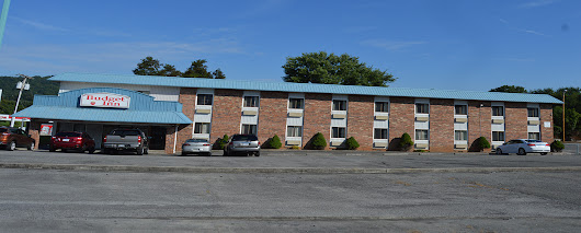 $60 Hotel near me Budget Inn Claypool Hill VA