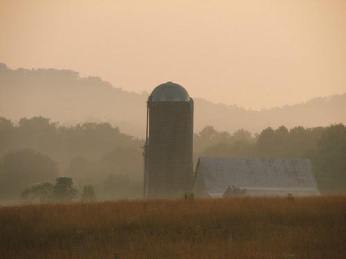 Barn at Dawn by (chris-gill)