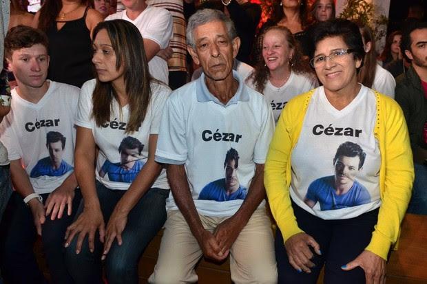 Família de Cézar Lima na final do Big Brother Brasil 15 (Foto: Roberto Teixeira/ EGO)
