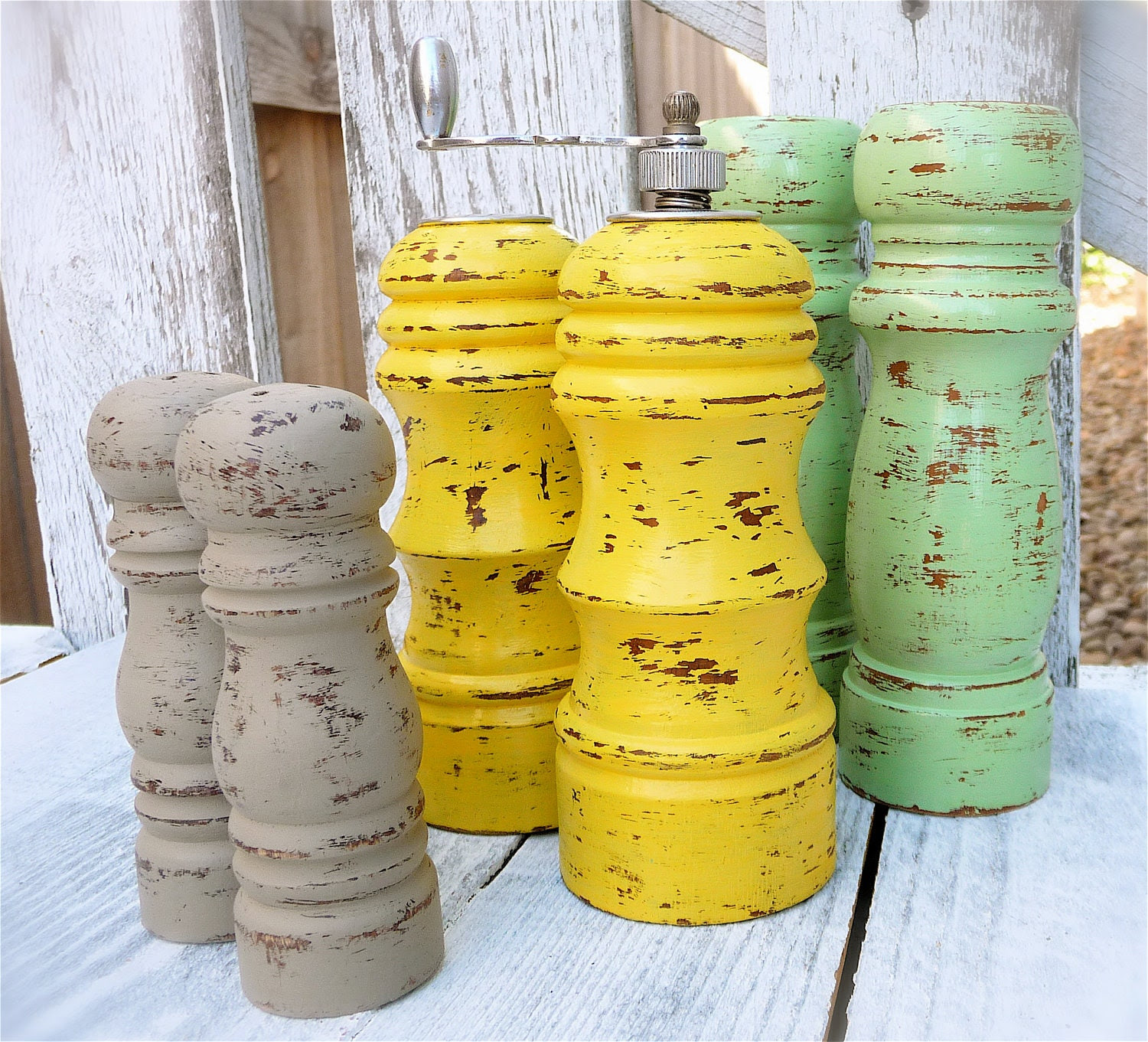 COLORFUL SHABBY CHIC Salt and Pepper Mill Set, Medium Size in Sunny Yellow