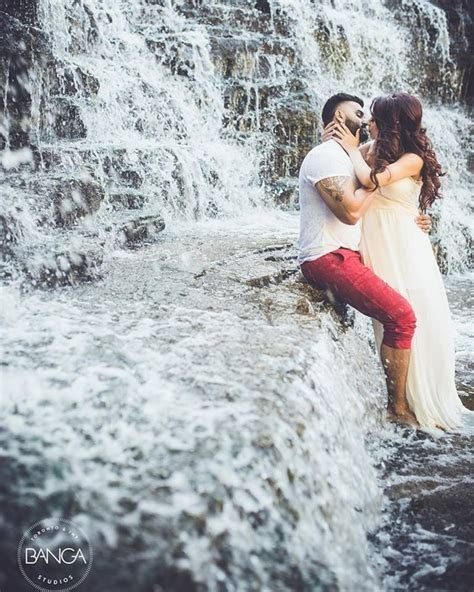 What are the best pre wedding photoshoot places In India