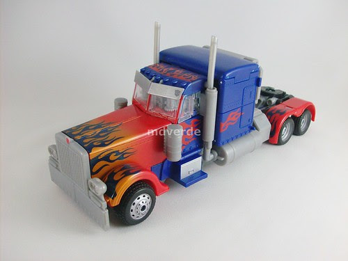 Transformers Optimus Prime RotF Leader - modo alterno