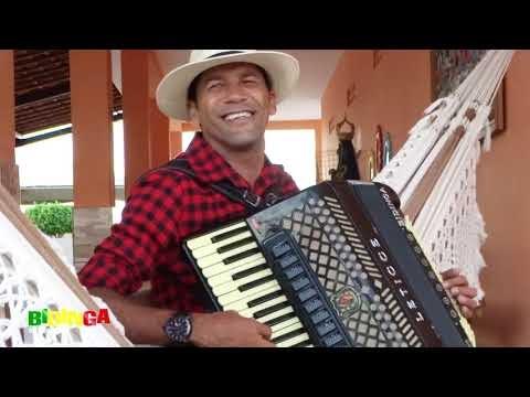 """Veja o clipe de Bidinga do Acordeon cantando seu novo sucesso, a música """"Vaqueiro Doido"""""""