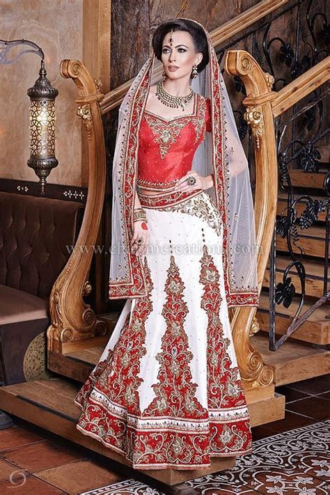 Indian Bridal Wear   6 panel white and red bridal raw silk