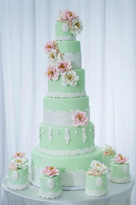 25  best Mint green cakes ideas on Pinterest   Vintage
