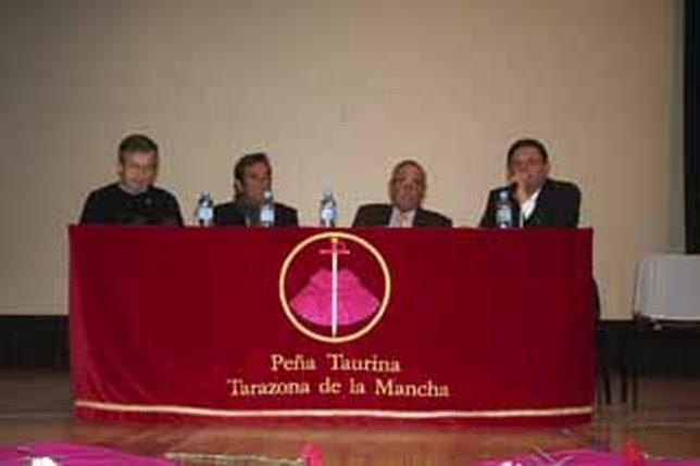 Dámaso González, Eduardo Miura, Emilio Martínez e Isidoro Ruiz, durante la charla del pasado sábado. P. Belmonte