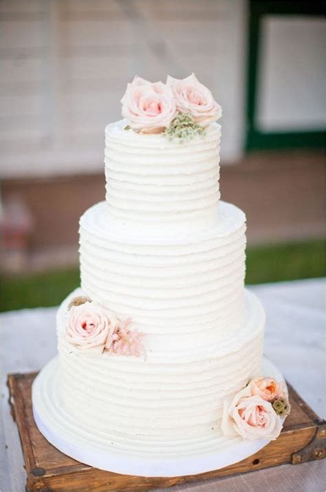 Modern Wedding Cake Trends   Ideas & Advice   Little White