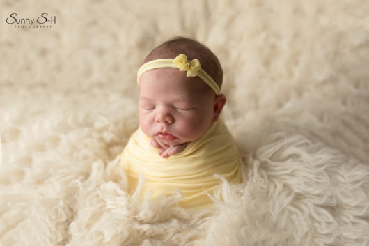 9 day old Amelia - Winnipeg Newborn Photography - Sunny S-H Photography