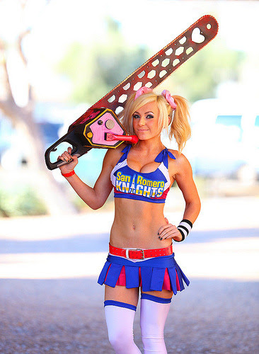 Lollipop Chainsaw: Jessica Nigri Bubble Gum-chewing Chainsaw Zombie killing Cheerleader 2012 Amazing AZ comic con (by gbrummett)