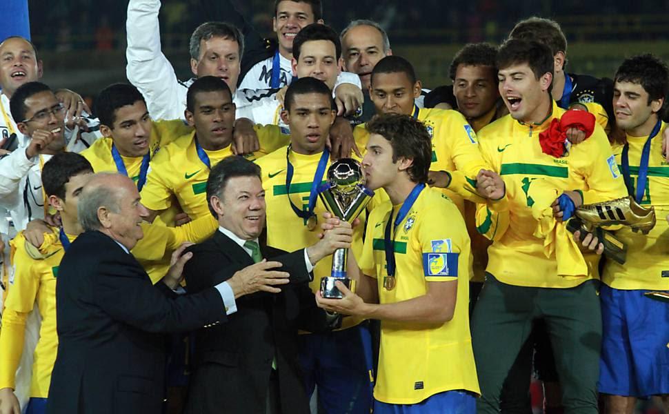 http://f.i.uol.com.br/fotografia/2011/08/21/78308-970x600-1.jpeg