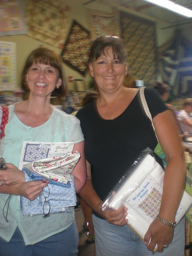 Beth and Sharon at Sew Many Quilts