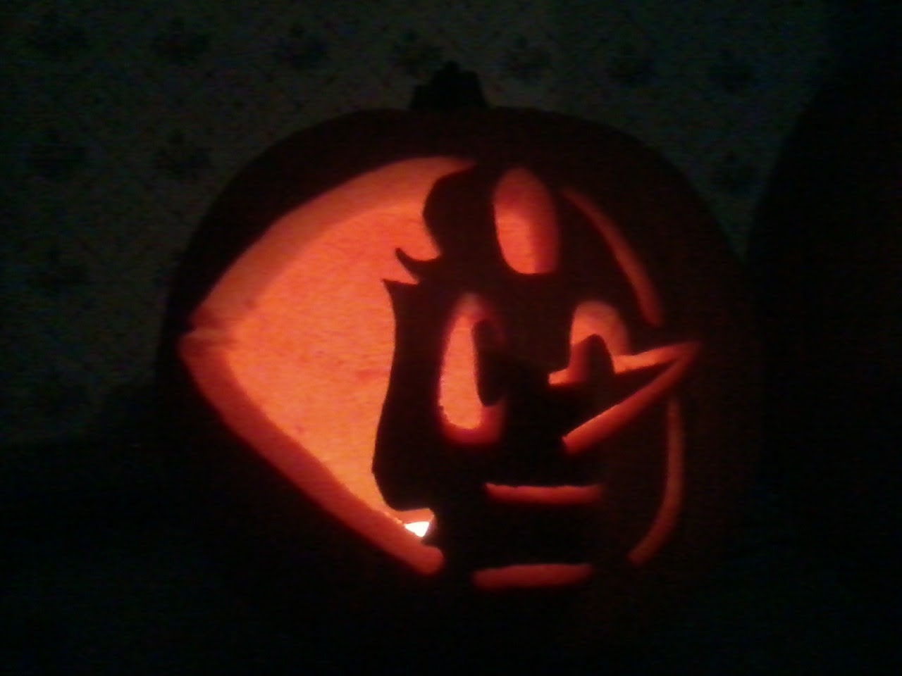 Here's my Pearl Jack O Lantern for this Halloween. Had a lot of fun doing this, been a while since I've done one. Just kinda wish I didn't mess up her cheek though :/