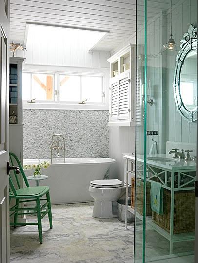 sarahs-cottage-bathroom1-image1