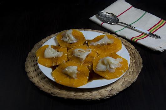 Naranja con bacalao ahumado y vinagreta de miel - La Cocina de Frabisa