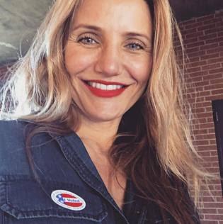 Elezioni Usa 2016, anche i vip al voto. Da New York a Los Angeles, sui social con l'adesivo «I voted - ho votato»