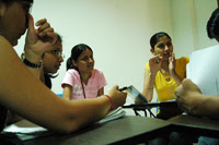 English: Students interacting during an in-cla...