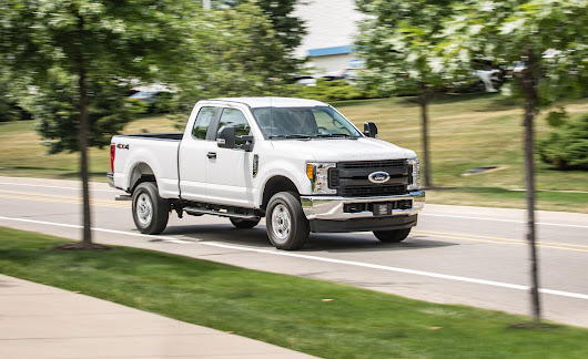 2017 Ford F-250 Super Duty Gasoline V-8 SuperCab 4x4 Test | Review | Car and Driver