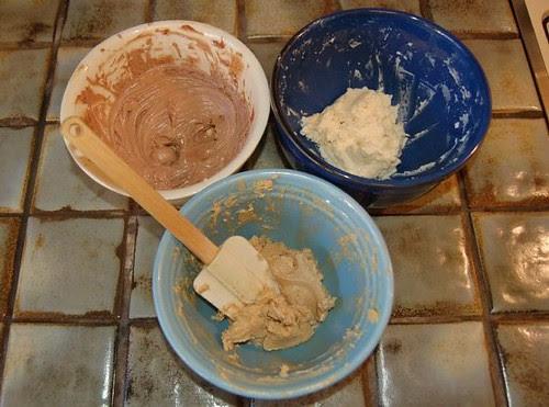 B-Cup Cake Icings