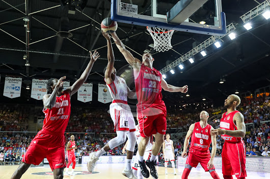 Shooting a basketball game in France – Strasbourg (SIG) vs Monaco (ASM)