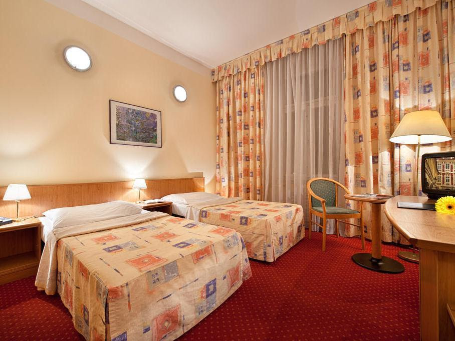 Review Hotel Aron
