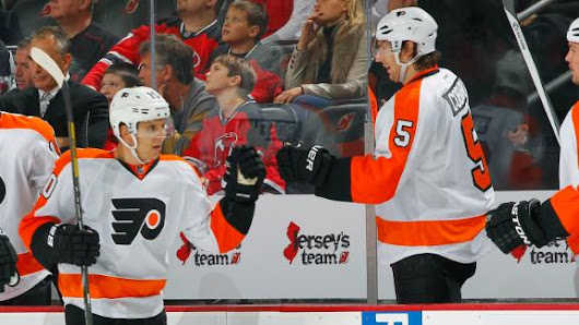 Flyers bounce back from rout, quiet Devils