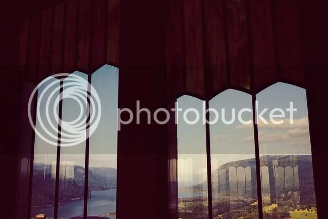http://i892.photobucket.com/albums/ac125/lovemademedoit/USATrip_PartOne_008.jpg?t=1314401740