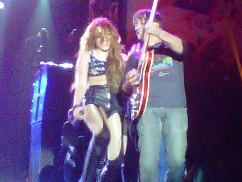 goodweedwhitewine-:  Miley Cyrus April 29-Ecuador