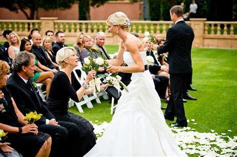 Wedding Ceremony Ideas: Ways to Honor Your Mom   Inside