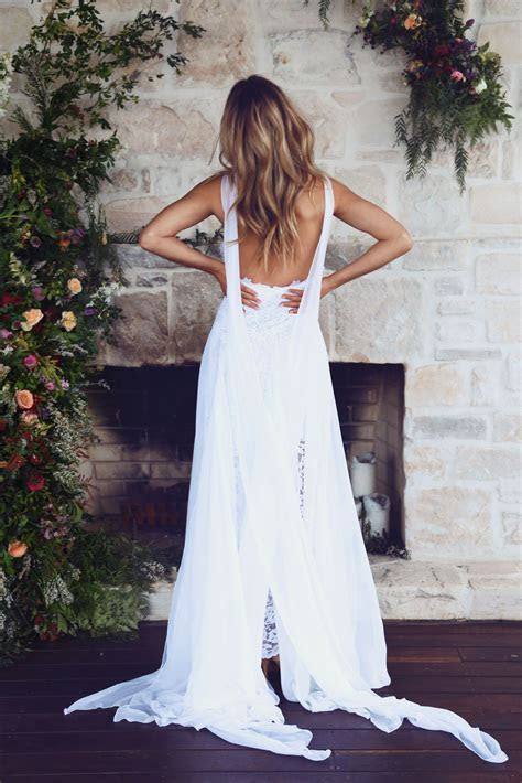This is the most pinned wedding dress on Pinterest