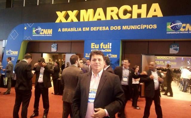 prefeito-mauricio-xx-marcha-dos-prefeitos-em-brasilia-foto-02.jpg