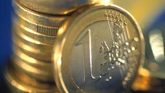Primer pla d'un munt de monedes d'euros
