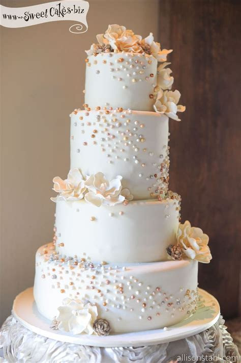 Top 10 Wedding Cakes with Pearls: Elegant Inspiration